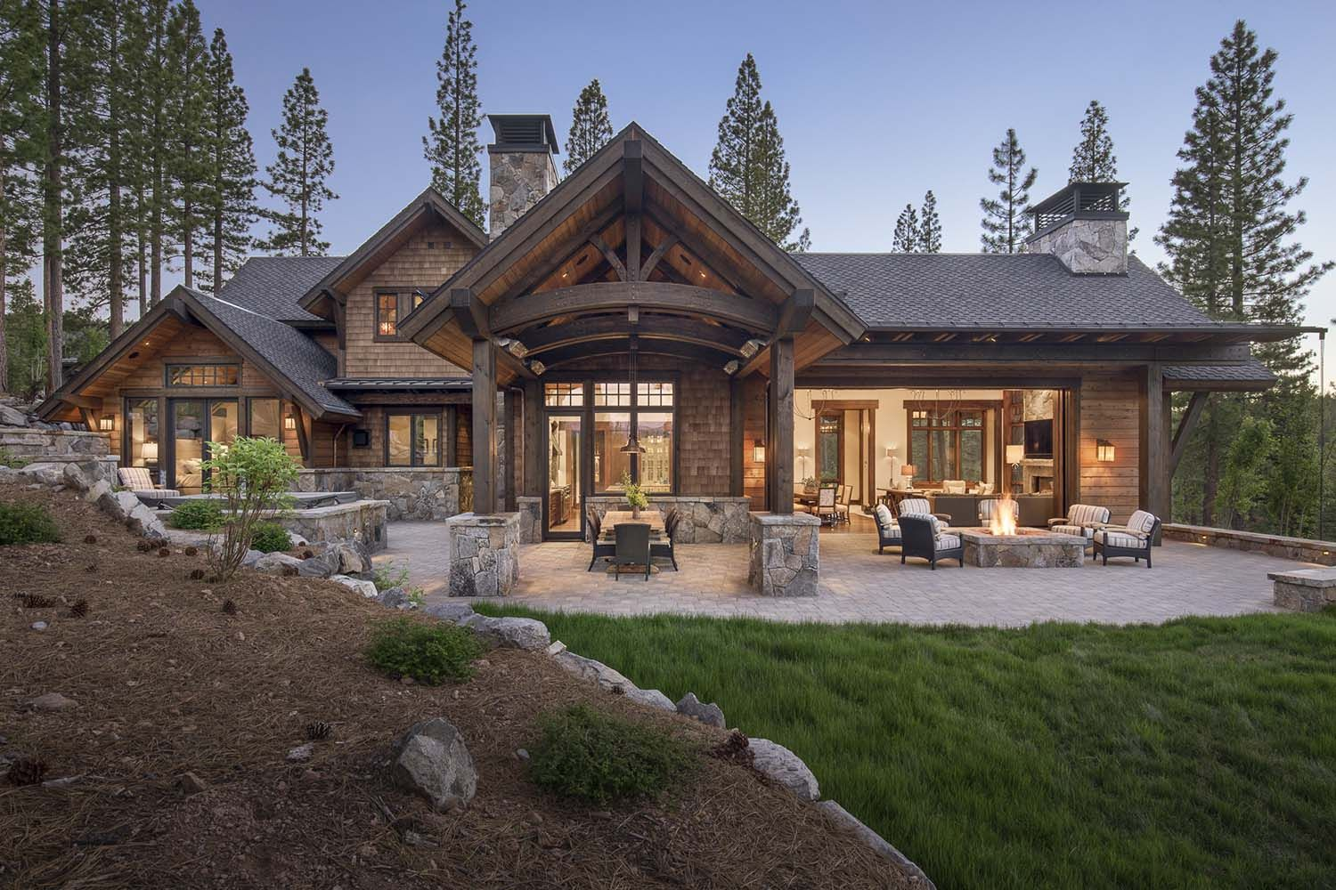 Gorgeous Rustic Mountain Retreat With Stylish Interiors In Martis Camp Rustic House Plans Mountain Home Exterior Rustic House