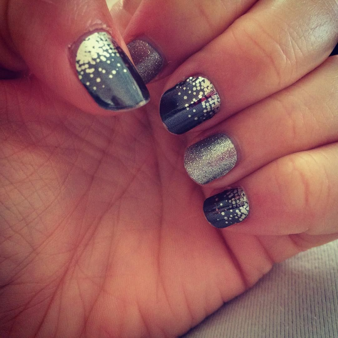 """Wonderful nails for a wedding guest. #MidnightCelebrationJN #DiamondDustSparkleJN #Jamberry #JamberryNails #JamberryIndependentConsultant #JamberryAU"""