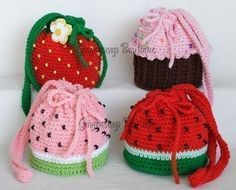 ***INSTANT DOWNLOAD NOW AVAILABLE***  4 Patterns in One! This crochet pattern includes instructions to create a cupcake purse, strawberry purse and 2 color versions of the watermelon purse. Also included are instructions to crochet the strawberry blossom - a bonus to use on the purse, or to use as a hair clip.  These purses, when finished, are approximately 5.5 in diameter, and 6 - 6.5 tall. Perfect for little girls to fill with their treasures, and also perfect for mommies when they dont…