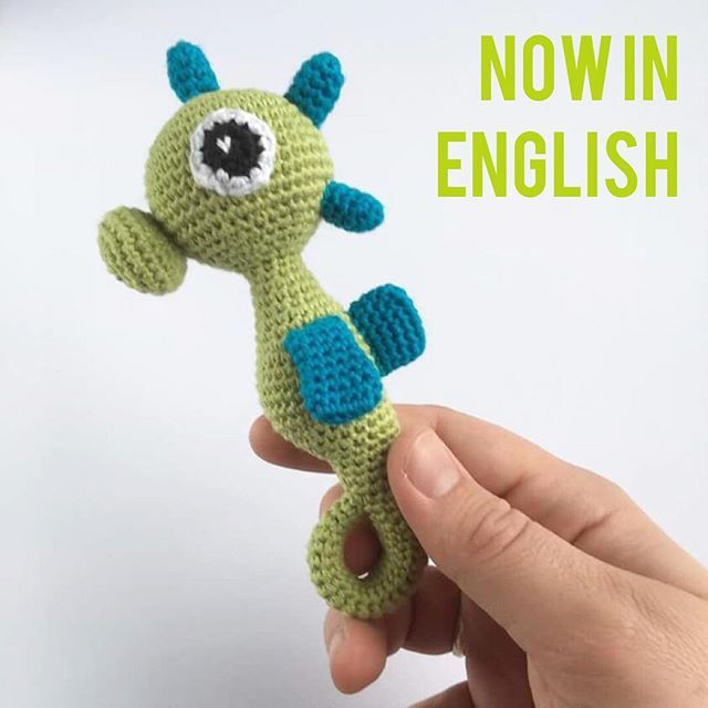 """This lovely little Seahorse is now to be found in English. Find the pattern on my blog under """"Free patterns in English""""  #unkeldesign #unkelseahorse #crochetpattern #crochet #yarn #dropssafran #love #babytoys"""
