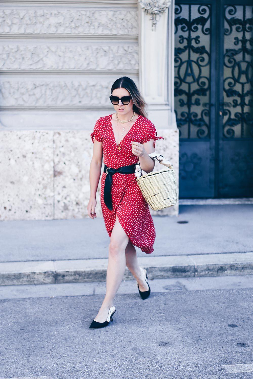 musthave kleid im sommer das wickelkleid mit print mit