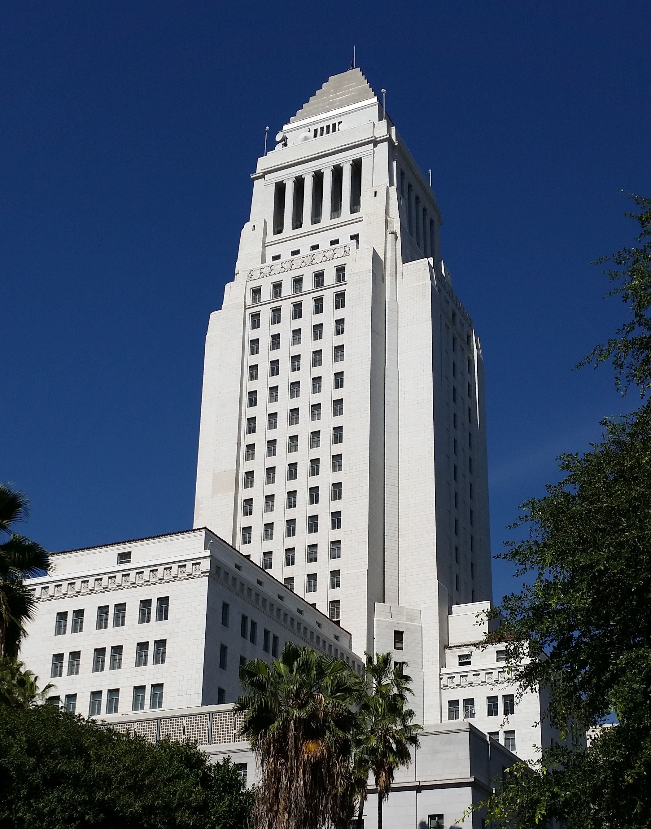Los Angeles City Hall Has An Observation Deck On The 27th Floor And It S Free Los Angeles City City Hall City