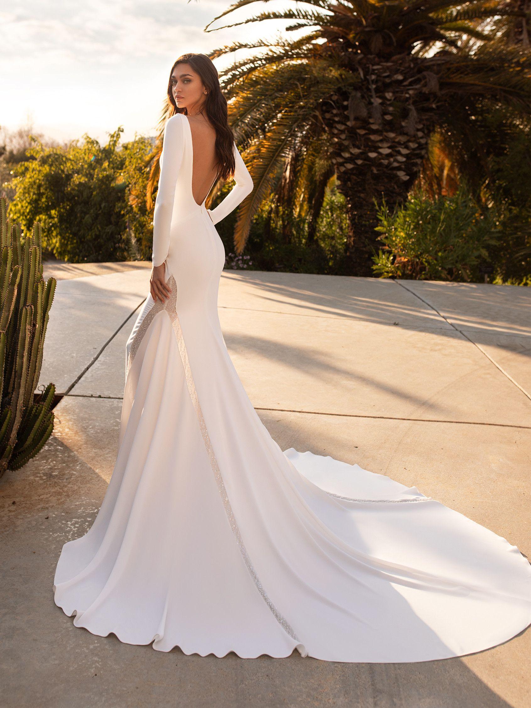 Bianca In 2020 Crepe Wedding Dress Wedding Dress Sleeves
