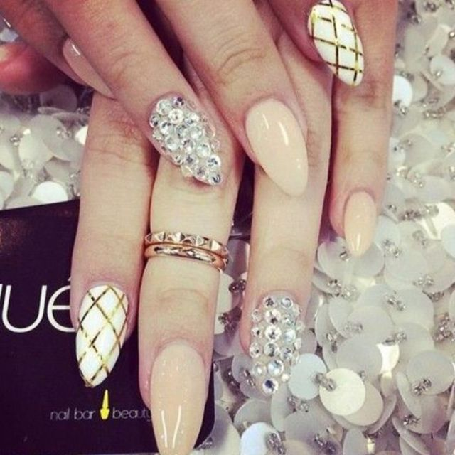 21 beautiful bridal nail art design ideas prinsesfo Images