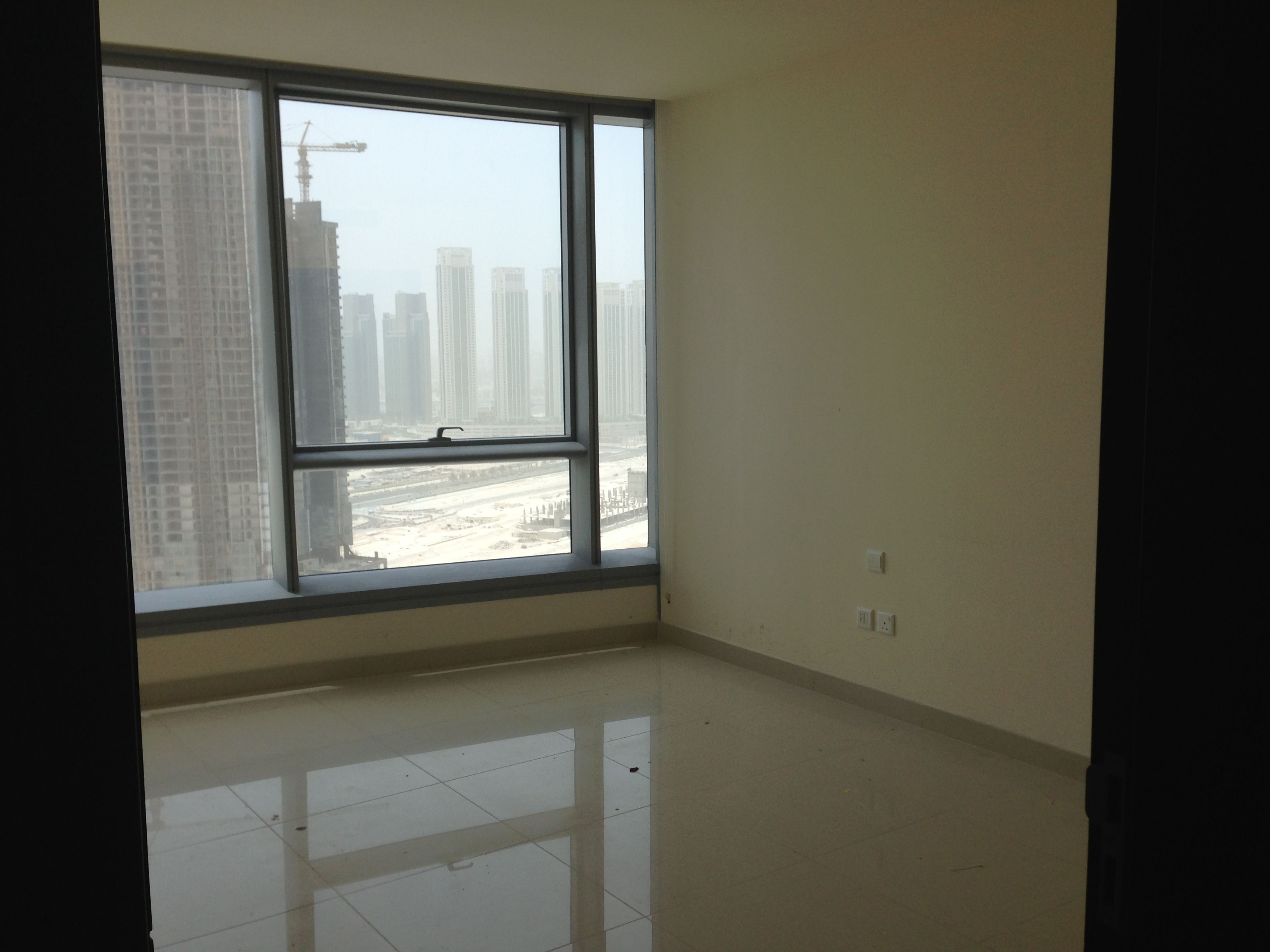 2 Bedrooms Apartment For Rent In Sky Tower Al Reem Island Abu Dhabi It Consists Of 2 Bedrooms Plus Apartments For Rent 2 Bedroom Apartment Apartment
