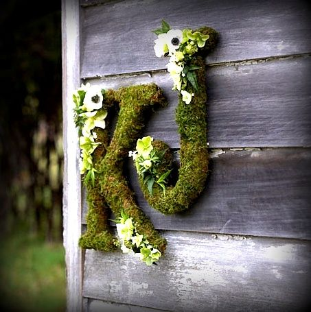 LOVE!! Moss Covered Letters   Moss wedding, Unique wedding flowers, Wedding  flowers