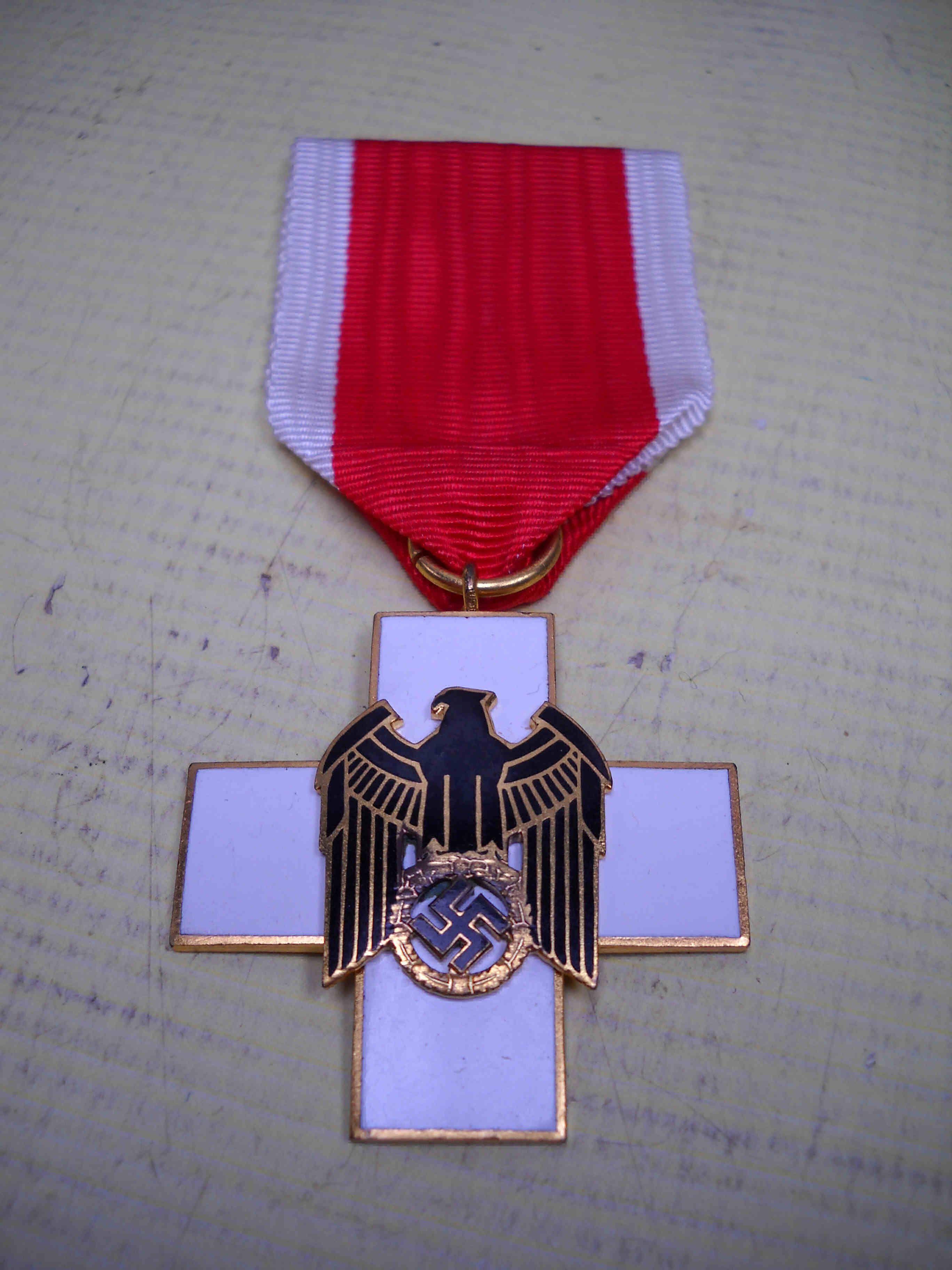 German world war ii enamel red cross drk medal with ribbon german deutschen rotes kreuzes drk - German military decorations ww2 ...