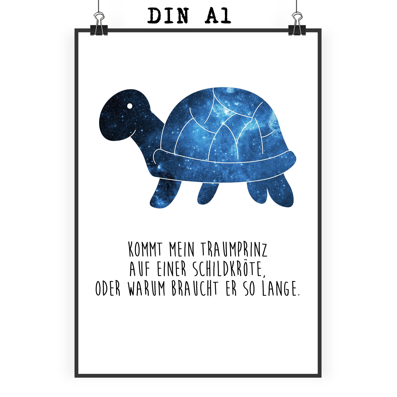 Poster DIN A1 Schildkröte Seitlich aus Papier 160 Gramm  weiß - Das Original von Mr. & Mrs. Panda.  Jedes wunderschöne Motiv auf unseren Postern aus dem Hause Mr. & Mrs. Panda wird mit viel Liebe von Mrs. Panda handgezeichnet und entworfen.  Unsere Poster werden mit sehr hochwertigen Tinten gedruckt und sind 40 Jahre UV-Lichtbeständig und auch für Kinderzimmer absolut unbedenklich. Dein Poster wird sicher verpackt per Post geliefert.    Über unser Motiv Schildkröte Seitlich      Verwendete…