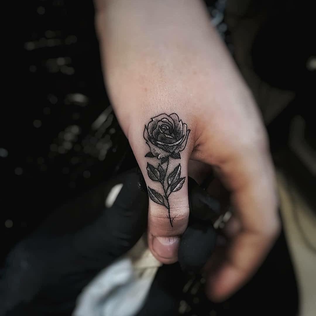 10+ Amazing Hand finger tattoo designs ideas in 2021
