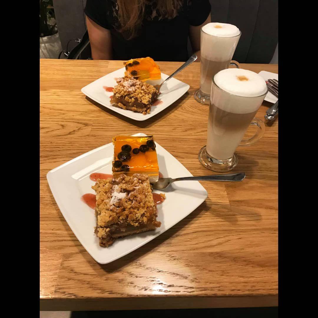 Images from : #lattemachiato  Latte macchiato. Capuccino. Expresso. Café au lait. Mousseur de lait. Réalisez vos boissons gourmandes préférées avec le Meilleur Mousseur à lait du moment. Visitez notre guide comparatif sur notre site triavy .com #lattemacchiato