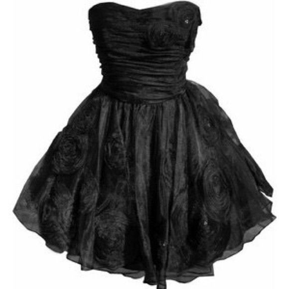 """NWT Betsey Johnson Rosette Dress, 8 Adorable authentic Betsey Johnson Strapless Afternoon Cloud Rosette Dress, NWT, Size 8. $450 retail. Net petticoat lining. Organza, taffeta, polyester. Perfect for any special occasion, including prom, graduation and weddings. Pleated upper bodice. Sweetheart neckline. 6 bones. Hidden zipper. 26 1/2"""" top to bottom. Rare find! All reasonable offers will be considered. Betsey Johnson Dresses Strapless"""