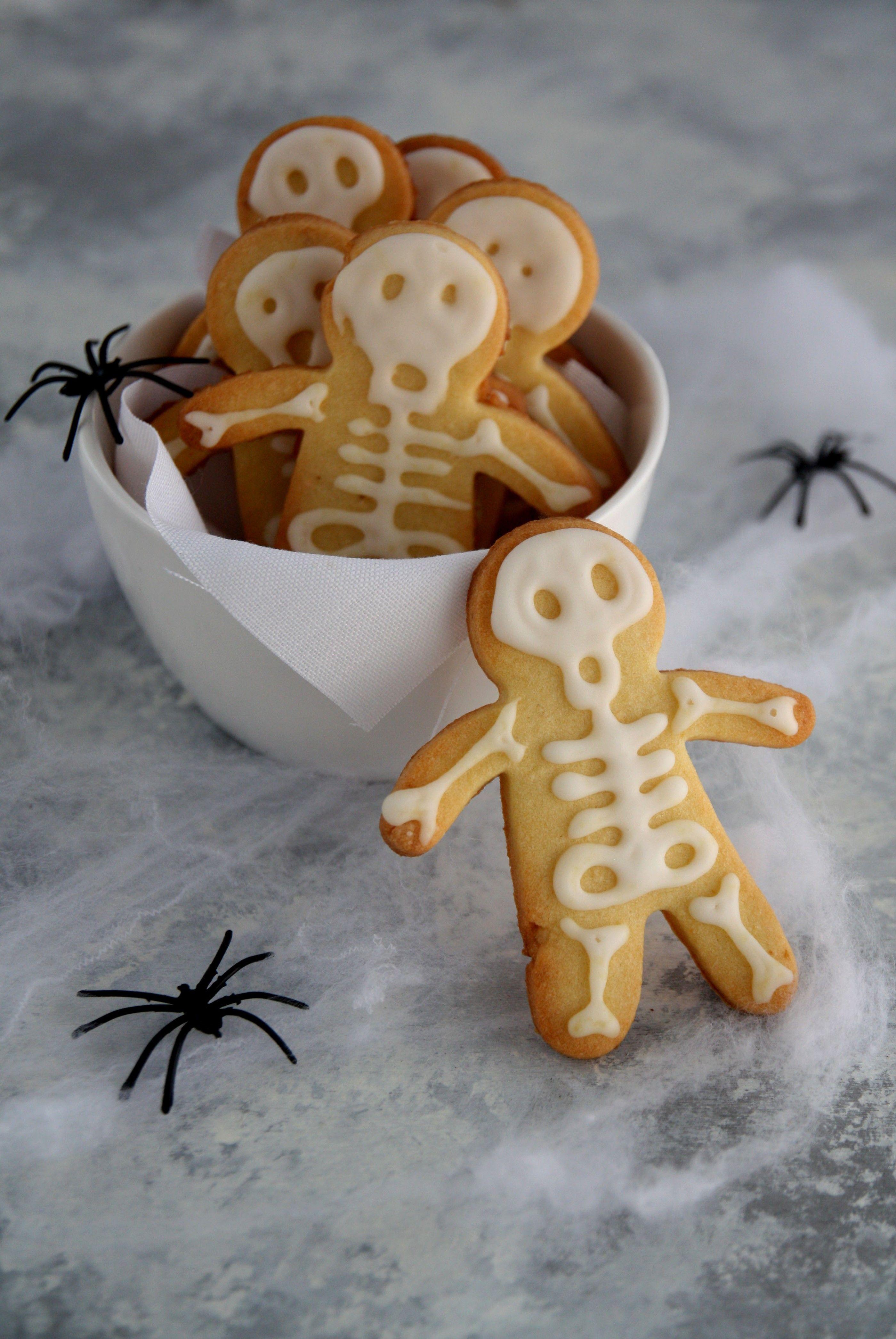 Scheletri di pasta frolla per Halloween Halloween