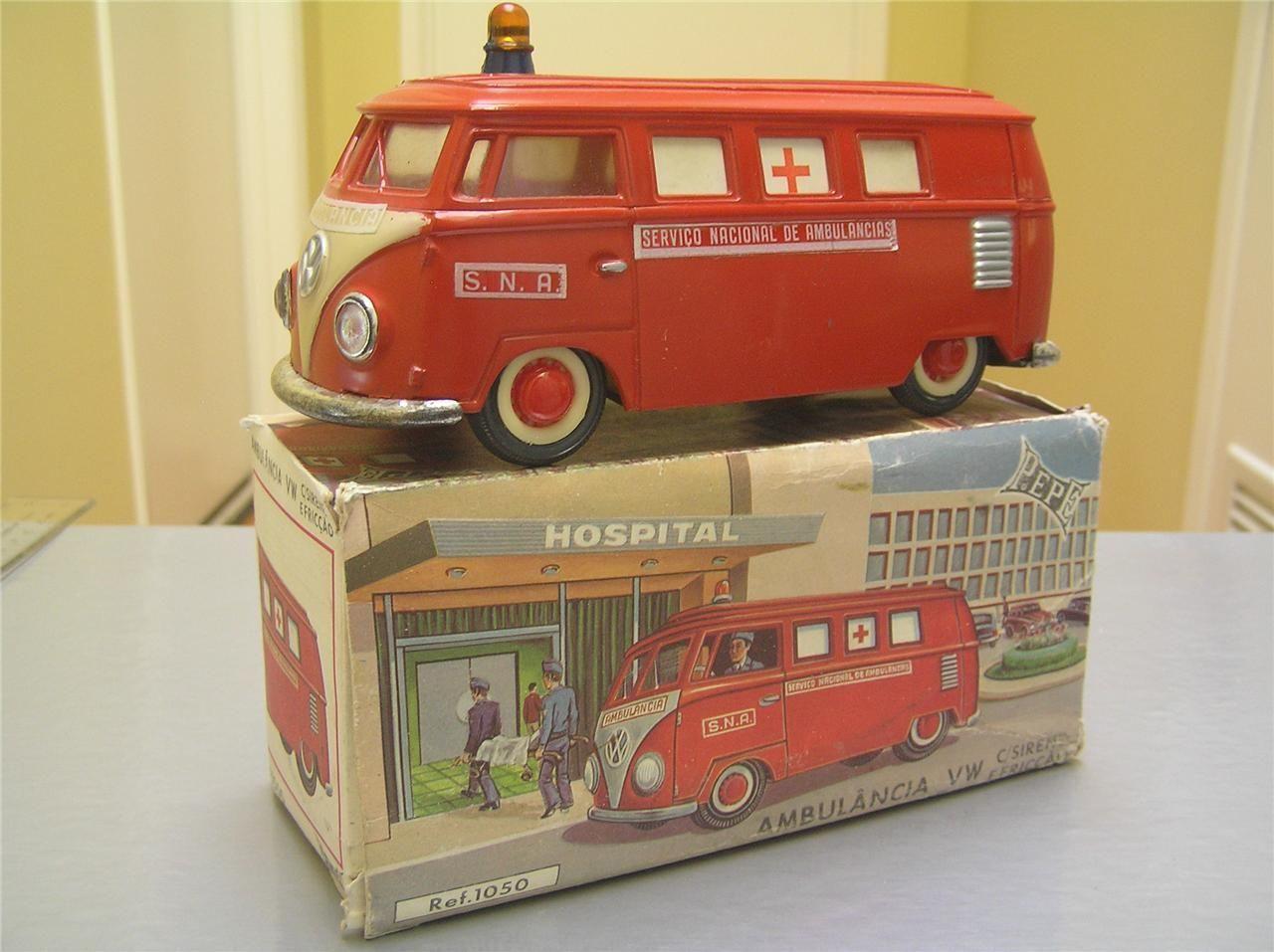 vintage plastic friction volkswagen vw ambulance portugal. Black Bedroom Furniture Sets. Home Design Ideas