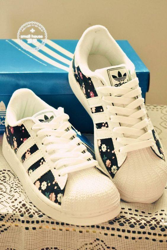 Magnifique chaussure adidas fleurie<3 | Chaussures adidas