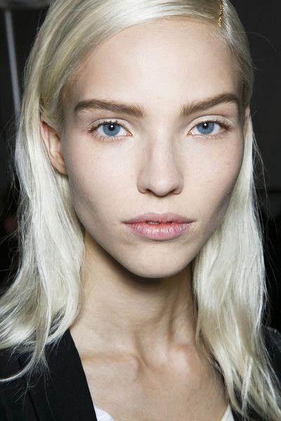 Sasha Luss  - 2018 Light blond hair & alternative hair style.