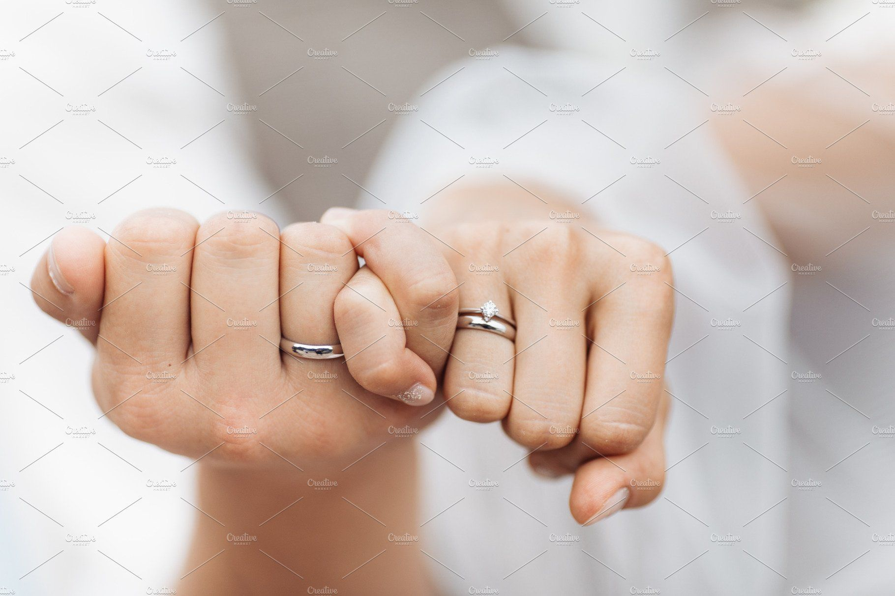 Wedding Rings On The Hands Wedding Rings Wedding Ring Photography Wedding Ring Pics