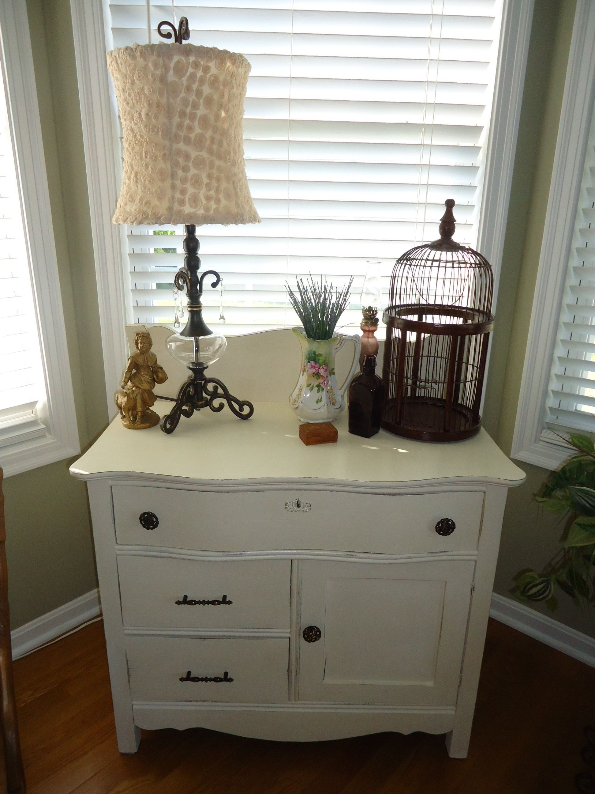 My First Annie Sloan Painting Project My Moms Old Oak Wash Stand  # Muebles Acabado Wash