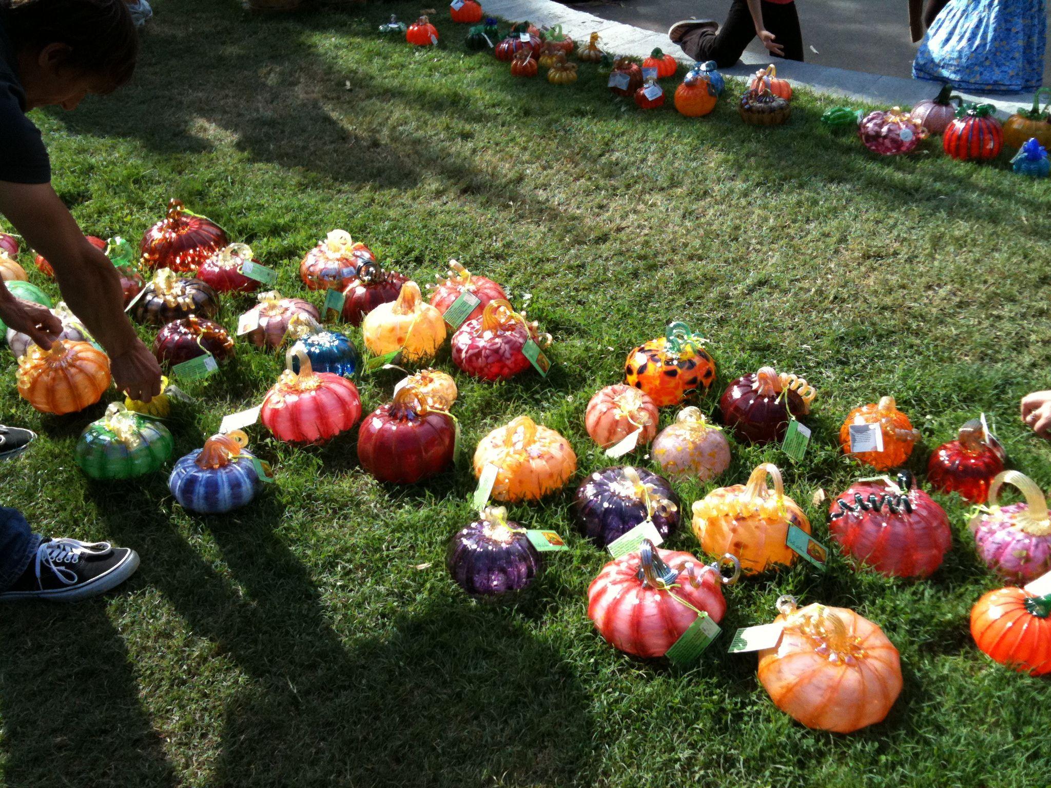 The Great Glass Pumpkin Patch Glass pumpkins, Glass art
