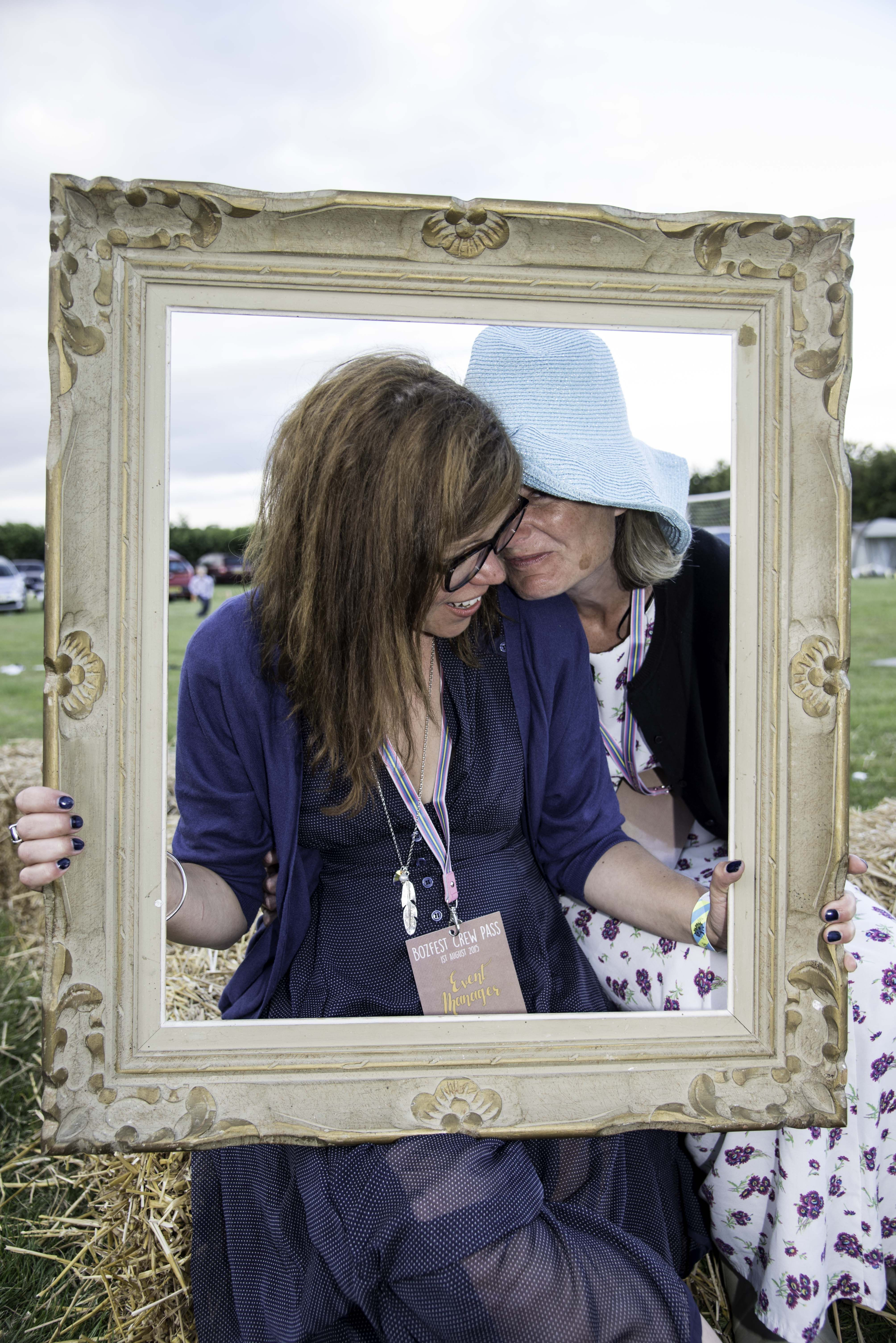#wedding #festivalwedding #bozfest #pictureframe @loakleygreen