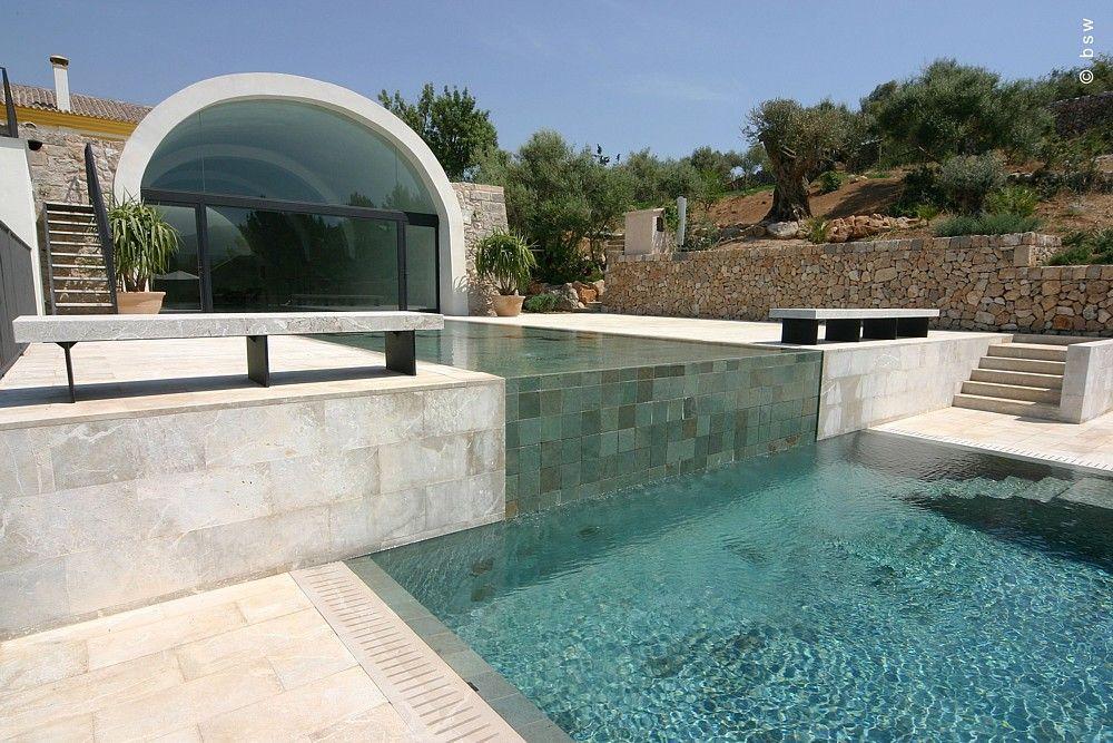 Exclusiver Garten mit Swimmingpool Moderne Gartengestaltung am ...