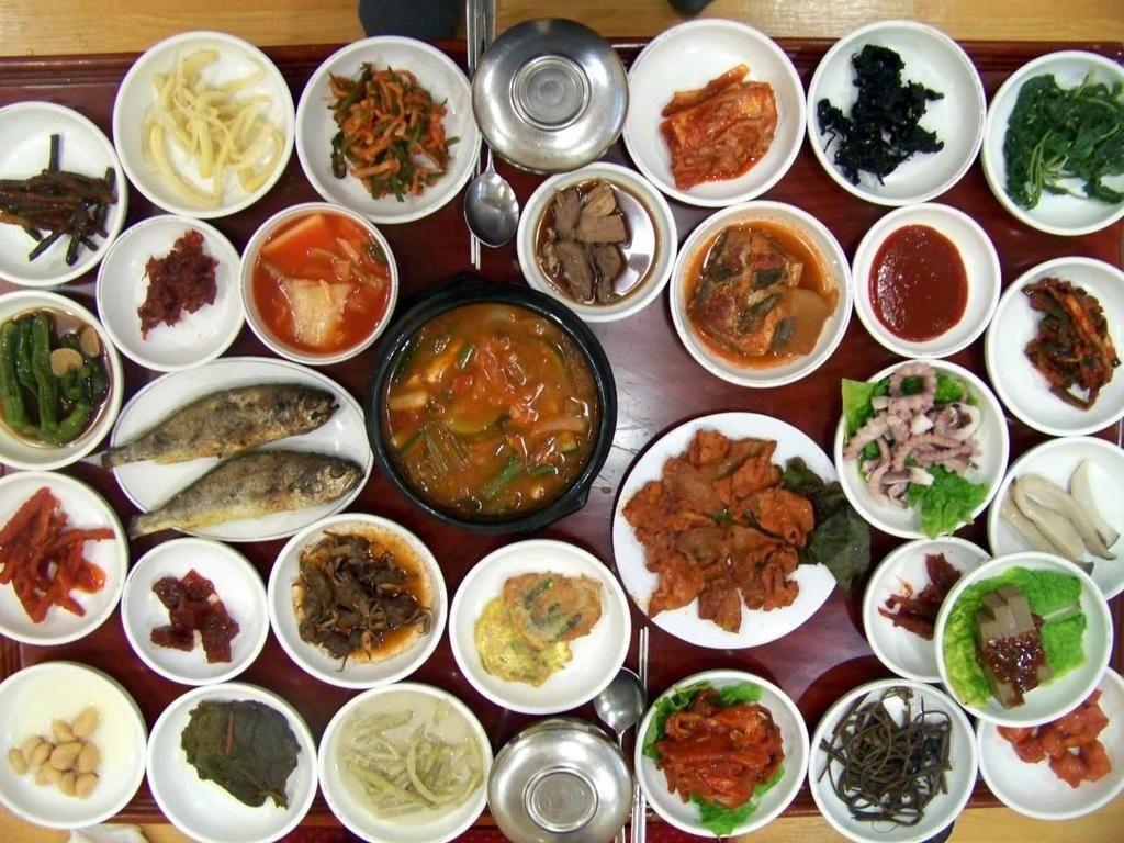 7 Best Halal Restaurants In Seoul South Korea Updated 2020 Korean Side Dishes Halal Recipes Korean Food