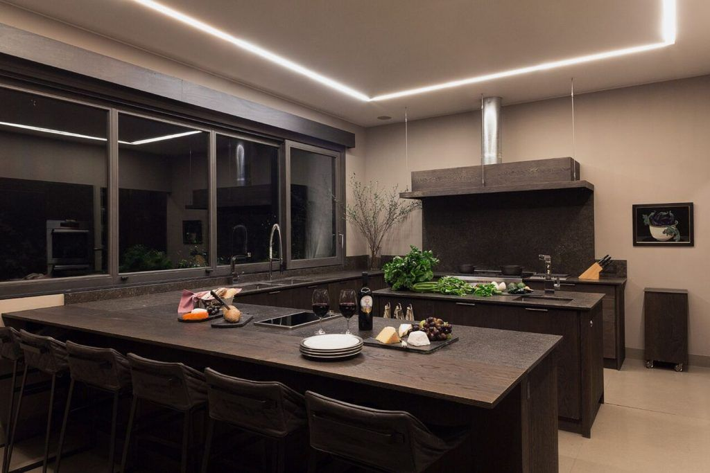 Surround Sound System In Mexico City Home Features Hidden Speakers From  Niles And Sunfire