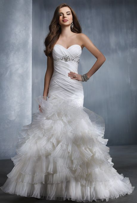 Brides Alfred Angelo 2308 Something about this dress really