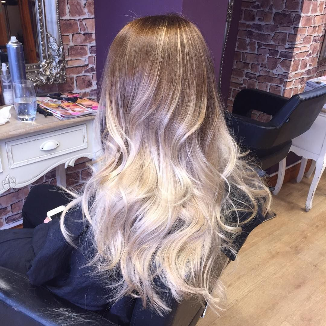 60 balayage hair color ideas with blonde brown caramel for Blond braun ombre