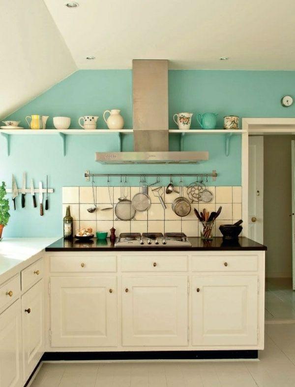 Vintage Küche Mit Weißen Möbel Und Türkis Wandfarbe | Küche ... Hellblaue Kche Welche Wandfarbe