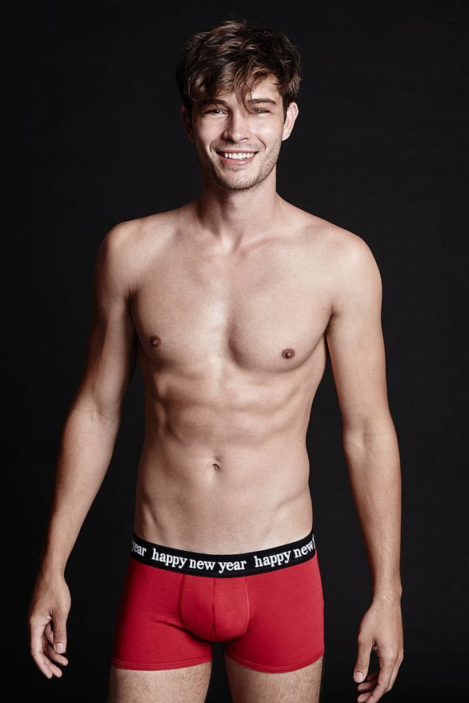 Francisco Lachowski Goes Shirtless For Tezenis Holiday