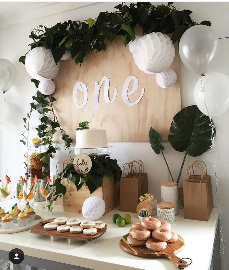 Suqueira Na Mesa Principal Simple Birthday Decorations Cheap Ideas Christening Table