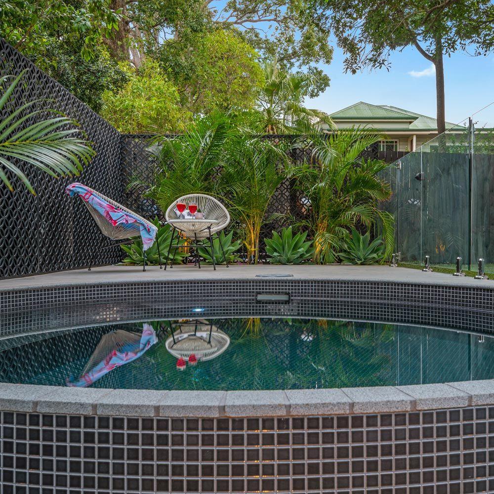 Plunge Pools Queensland Sunshine Coast And Brisbane Allcast Precast Plunge Pool Jacuzzi Outdoor Small Pool Design