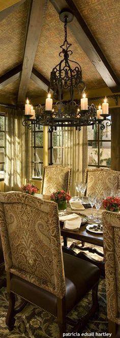 Chandelier - Tuscan style dining room oohhh very nice