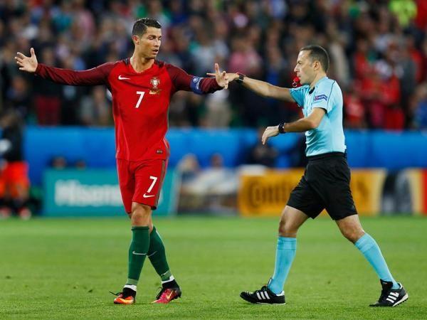 Cristiano Ronaldo: «A Islândia foi só pontapé para a frente»