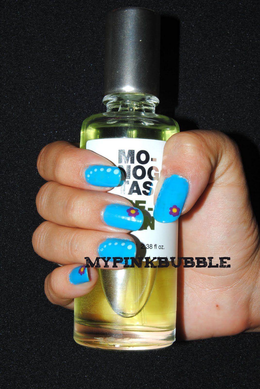 Nails flower blue