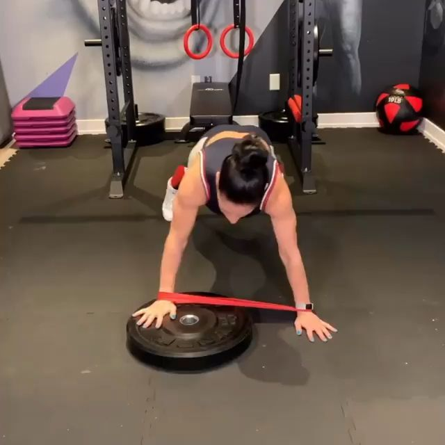Core workout using resistance bands         Core workout using resistance bands ,Sport        #bands...