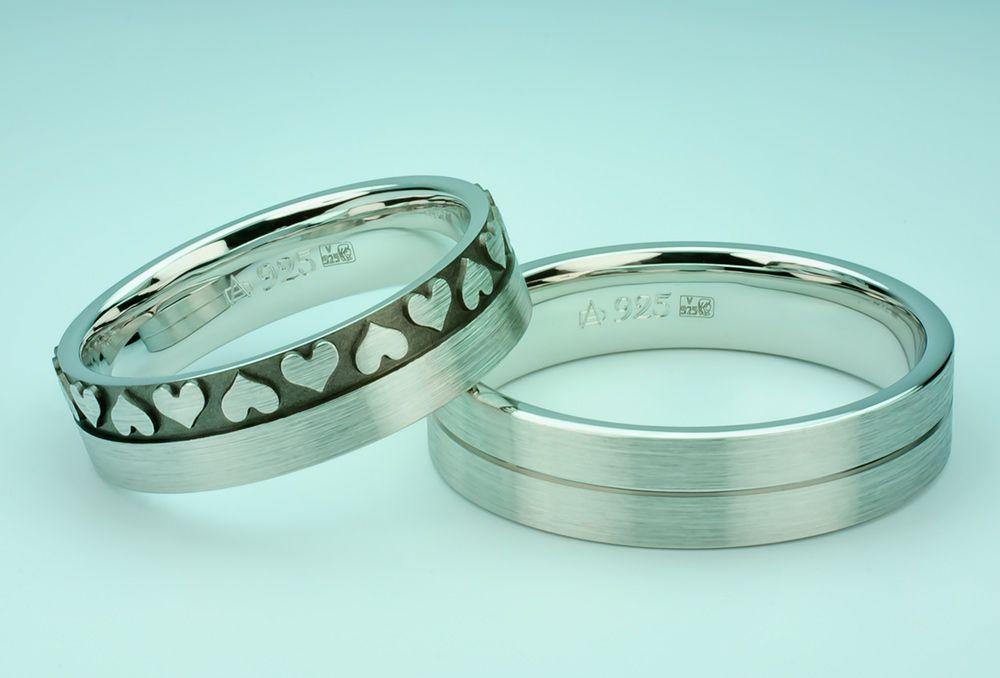 4caaa4bfc02e Przepiękne srebrne obrączki wykonane przez firmę Eminence. Obrączki  przyozdobione grawerowanymi sercami.