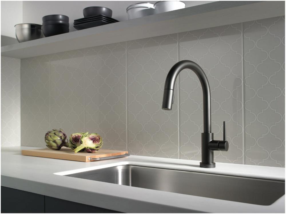 Delta 9159t Dst Build Com In 2020 Black Kitchen Faucets Black Faucet Kitchen Faucet