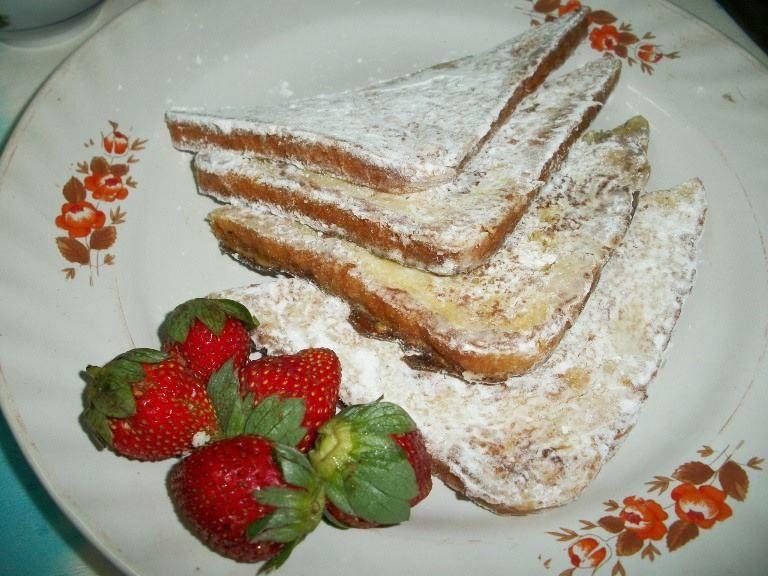 BREAKFAST IDEAS..Doughnut French Toast with Strawberry Sauce