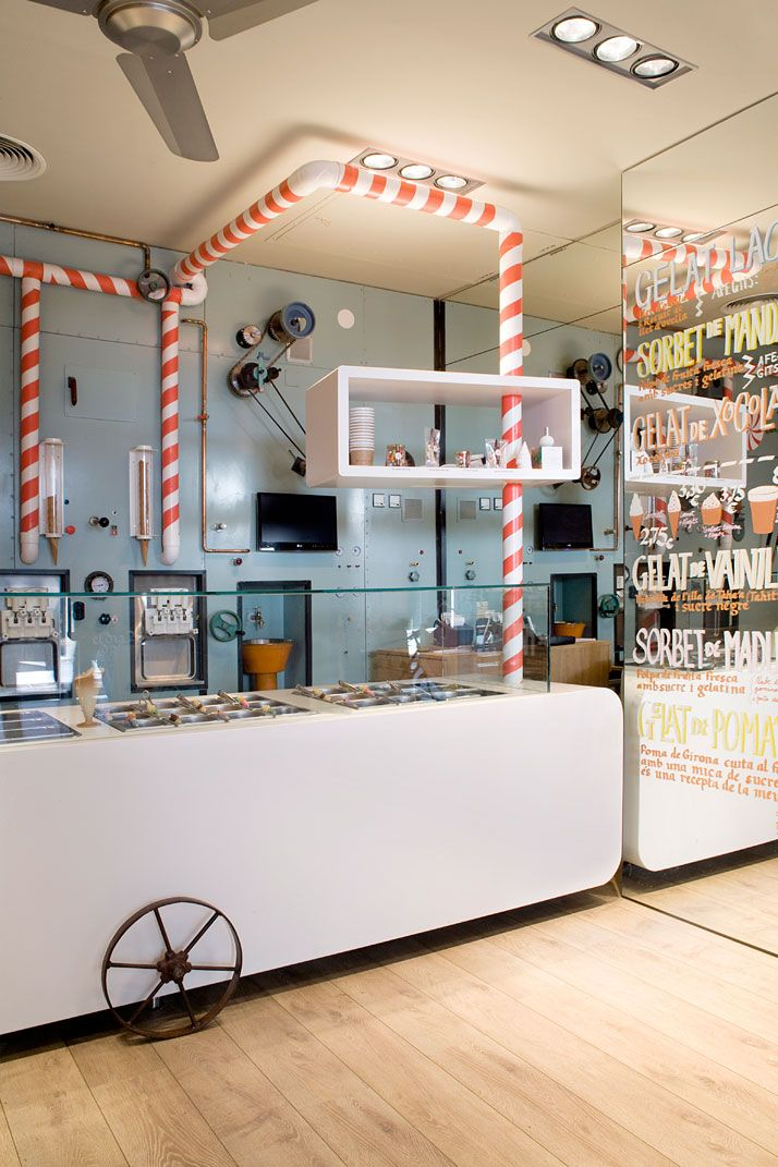 Rocambolesc Ice Cream Parlour In Girona Spain Cafe Interior