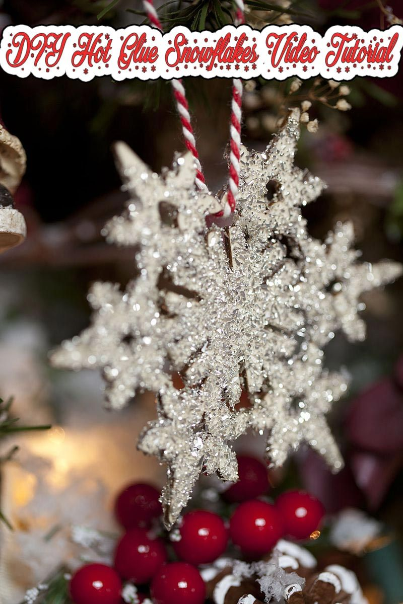 You Can Make A Beautiful Glittery Glue Snowflakes Fast And Easy They Make Glitte Christmas Snowflakes Decorations Christmas Snowflakes Snowflake Decorations