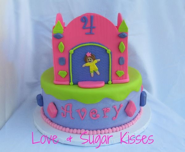 How To Make A Bouncy Castle Birthday Cake