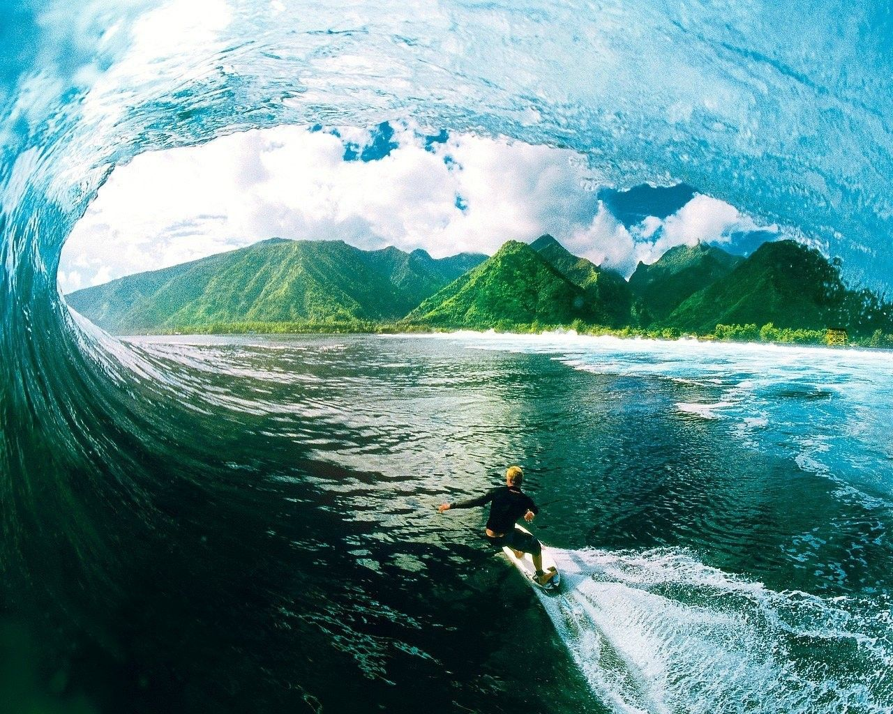 Cool Surfing Waves Wallpaper