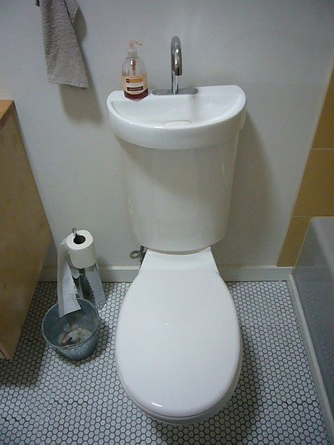 2 In 1 Toilet Sink Combo Toilet Sink Diy Bathroom Small Toilet