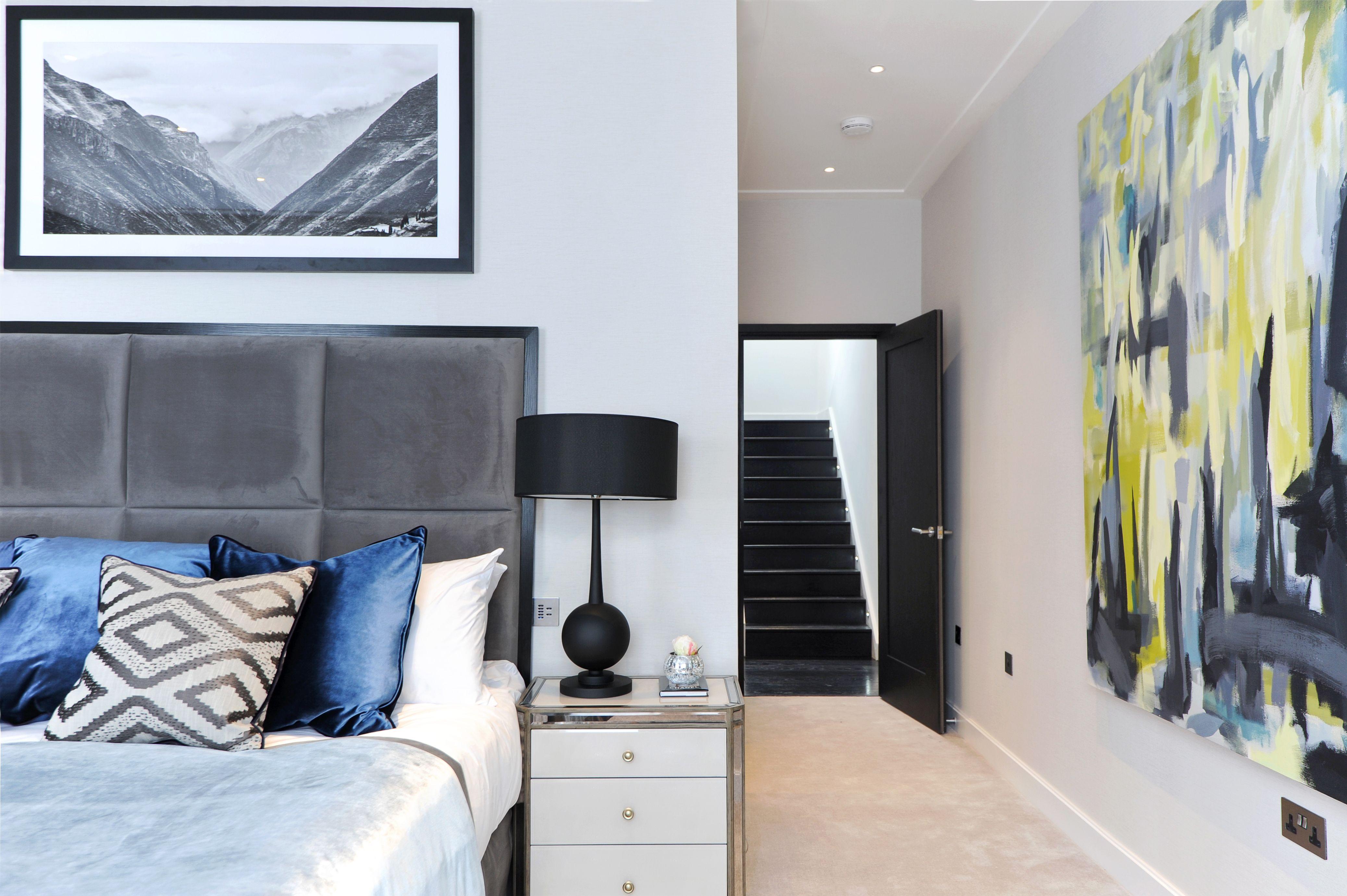 Master bedroom with en-suite bathroom by Barnes Design ...
