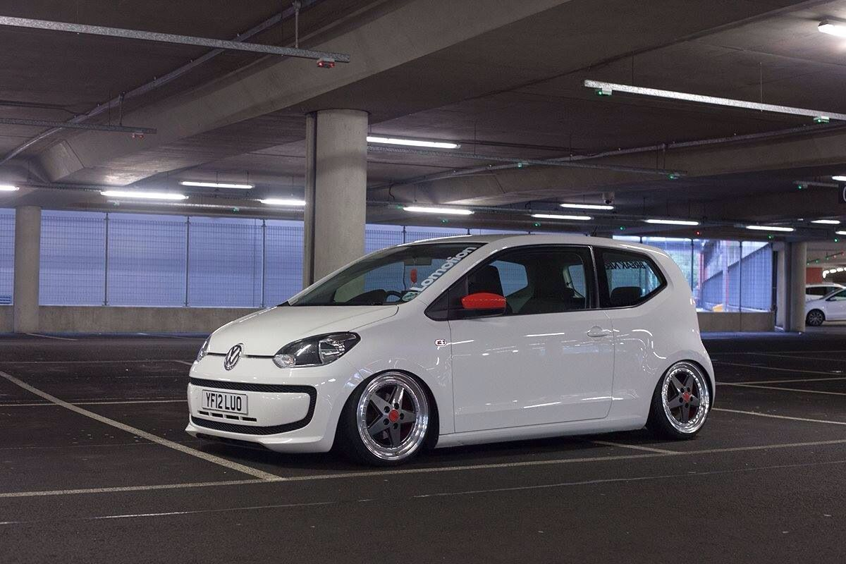 Red Mirrors Wheels And Stance Volkswagenlupo Carros E Motos