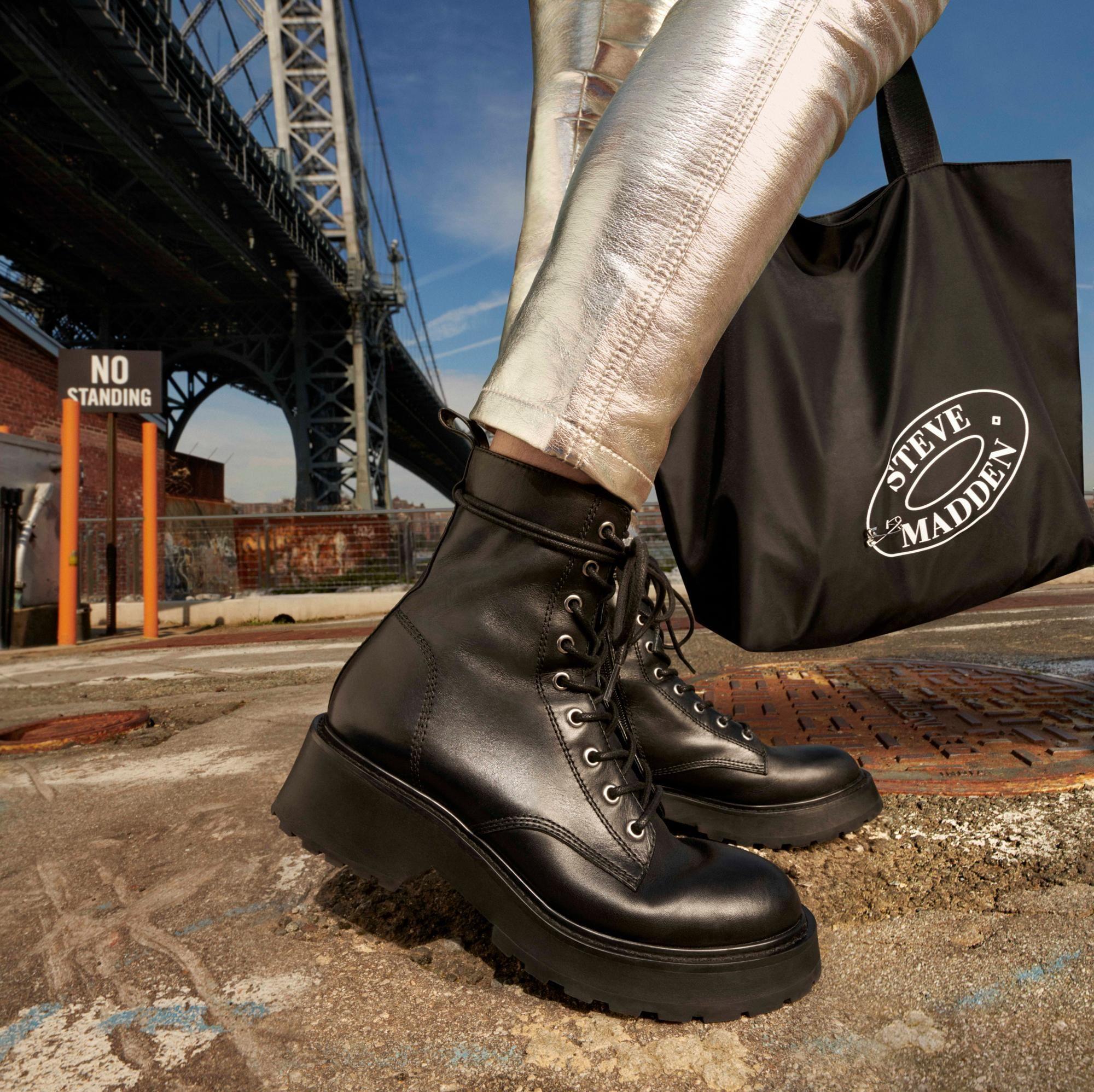 Conectado Otoño Consejo  TORNADO BLACK LEATHER | Leather, Black leather, Boots