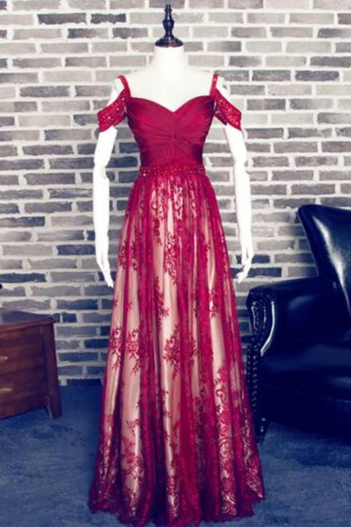 Off shoulder prom dresses new unique design burgundy lace