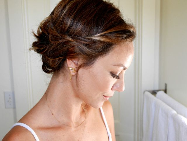Ways To Style Short Hair Styling Your Short Hair  Short Hair Hairdressers And Hair Coloring