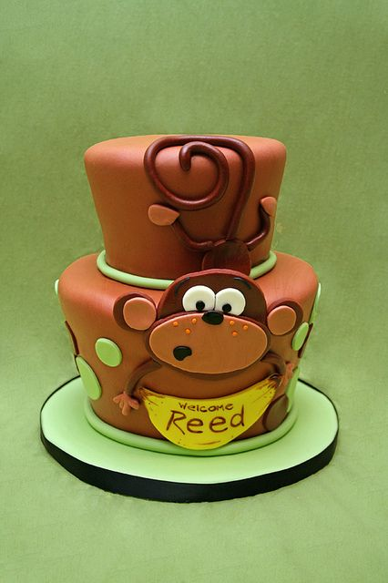 http://www.pinterest.com/tnamaree2002/cake-decorating-/  Cakes like this make me want to take a cake decorating class.